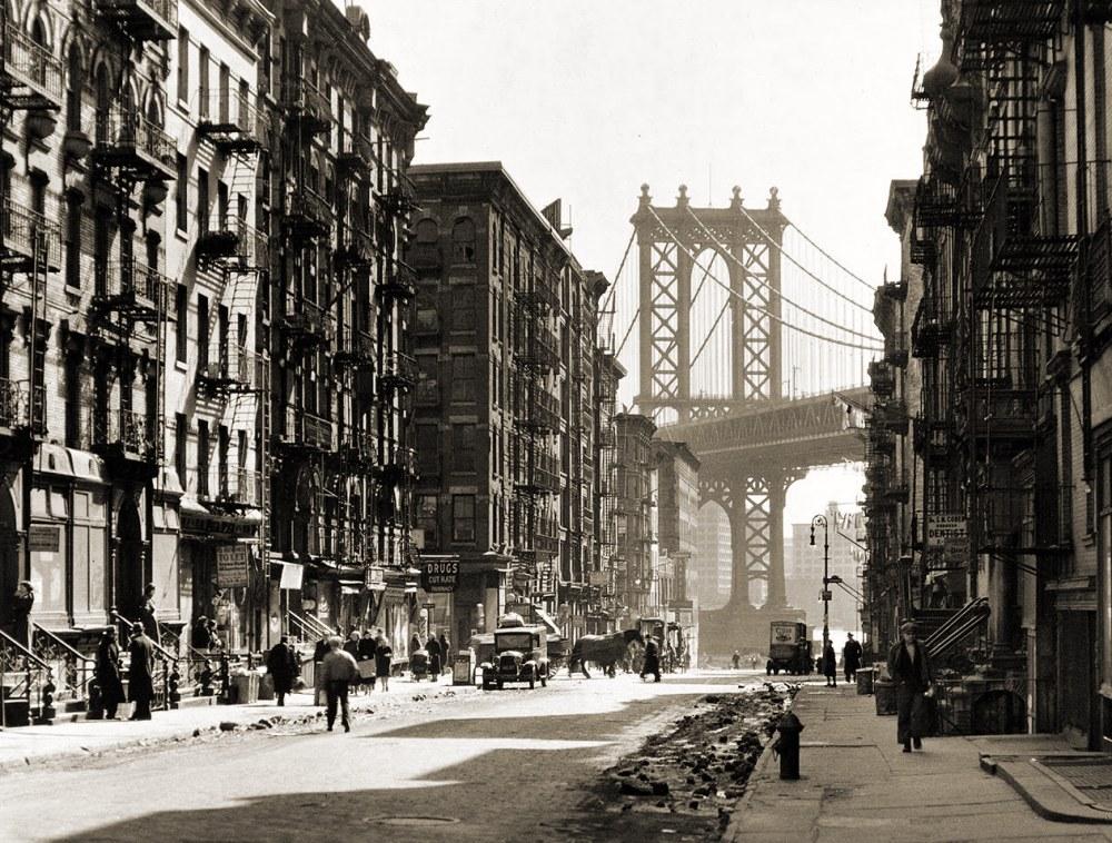 NYC_PikeandHenryStreet.jpg